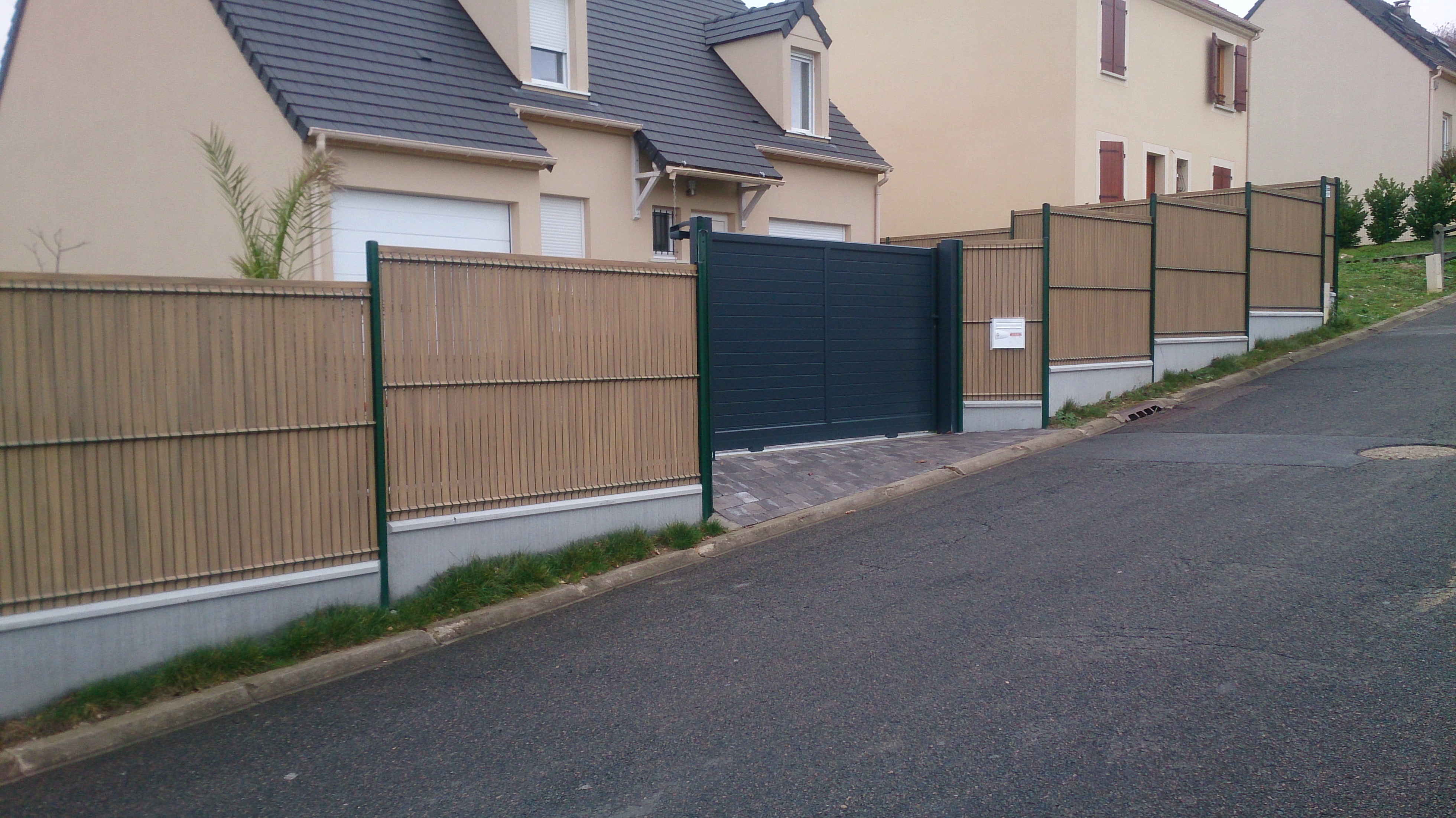 Pose de clôture : brise-vue, grillage… à Magny-en-Vexin, Mantes-la-Jolie
